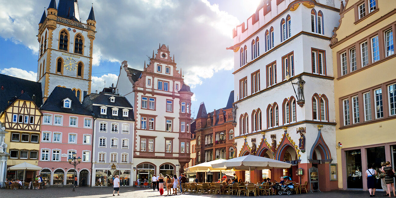 Hauptmarkt von Trier mit St. Gangolf & Steipe