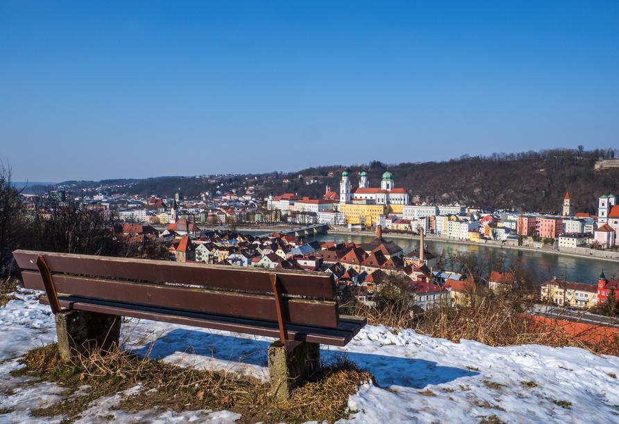 Winterliches Panorama von Passau