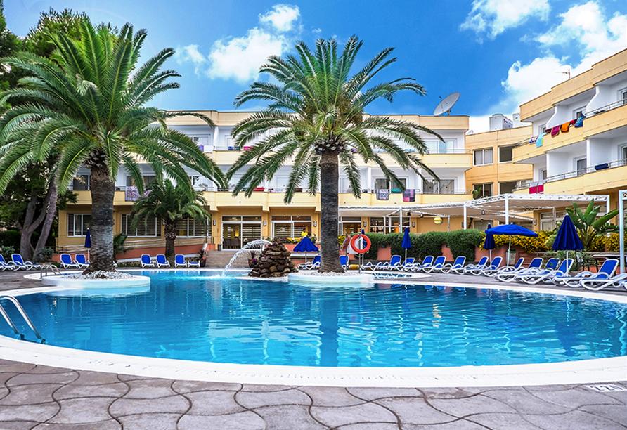 Entspannung bietet Ihnen der Außenpool des Hotels Spa Sagitario Playa.