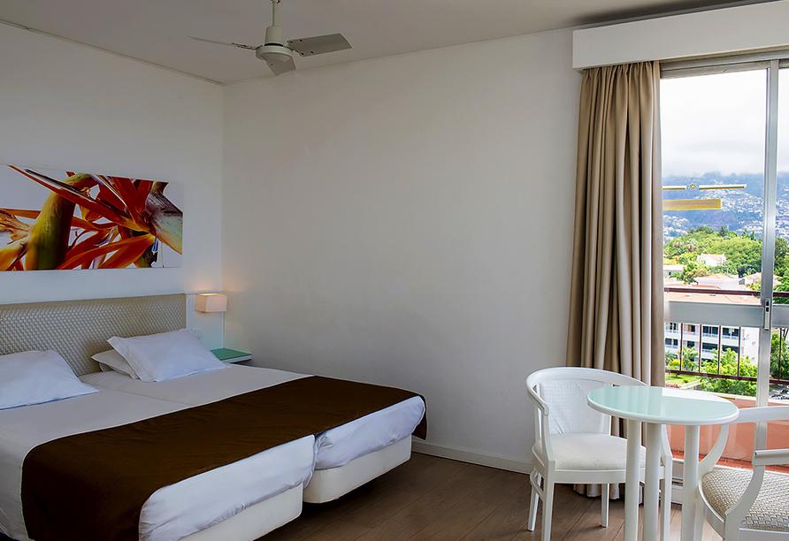 Hotel Estrelícia in Funchal auf Madeira, Zimmerbeispiel