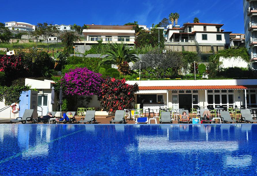 Hotel Estrelícia in Funchal auf Madeira, Außenpool