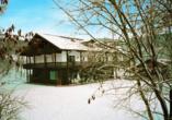 Hotel Ferien vom Ich in Neukirchen im Bayerischen Wald, Außenansicht im Winter