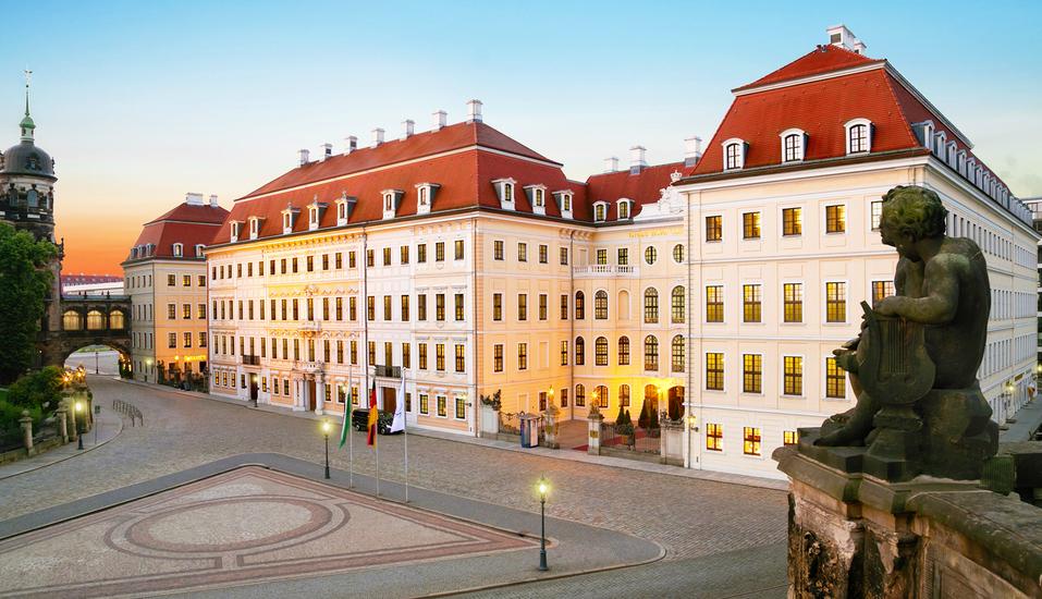 Hotel Taschenbergpalais Kempinski, Außenansicht