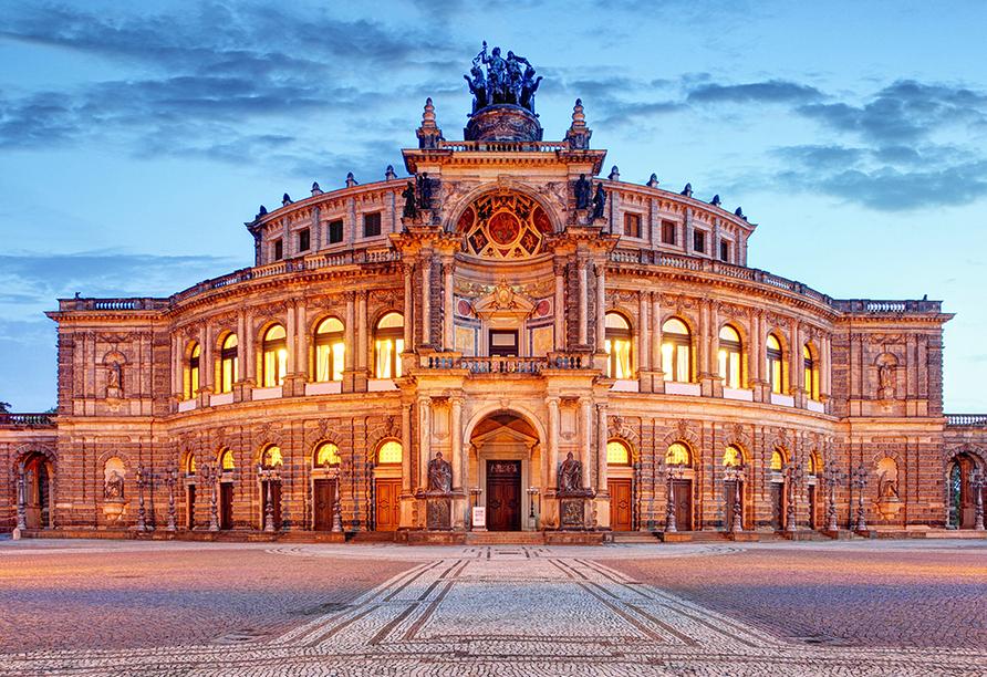 WEST Hotel Radebeul, Dresden, Semper Oper in Dresden