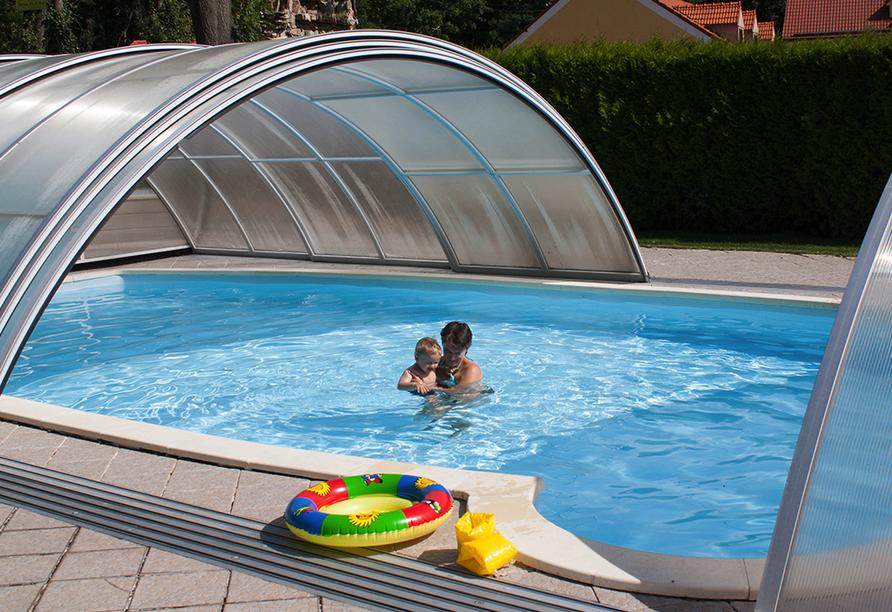 Hotel Resort Stein in Cheb, Außenpool