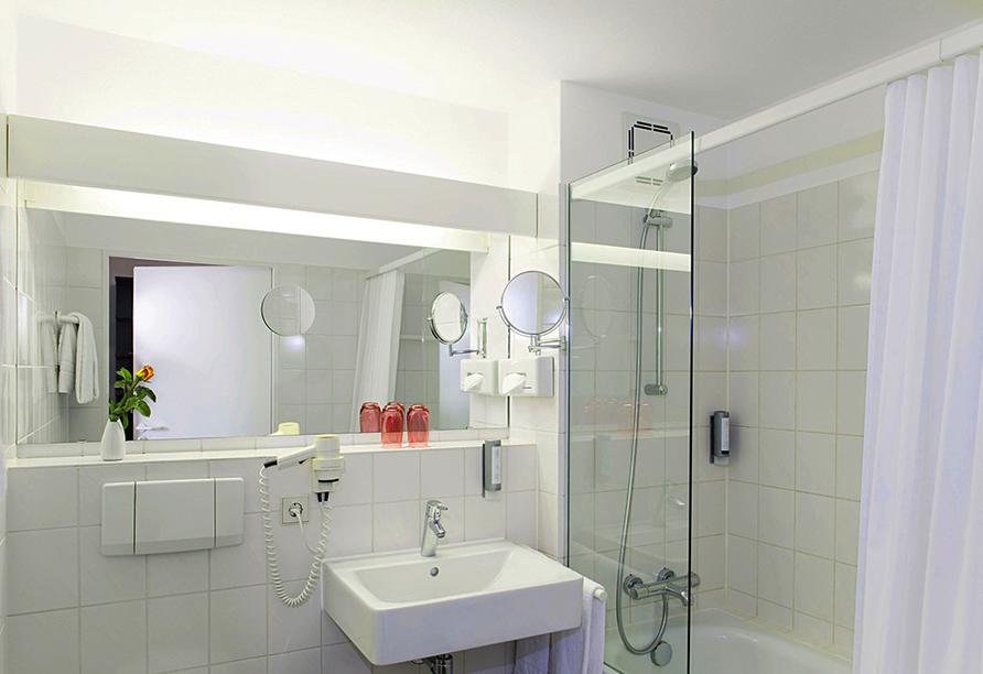 Victor's Residenz-Hotel in Unterschleißheim, Beispiel Badezimmer