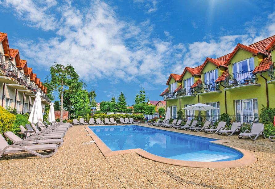 Hotel Alcest, Außenansicht mit Pool