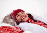Hotel Alle Piramidi, Frau im Schnee