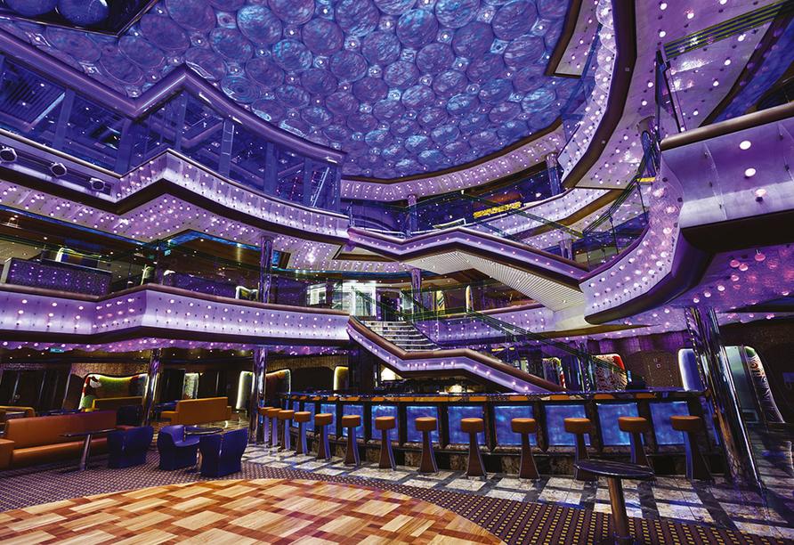 Costa Diadema, Atrium