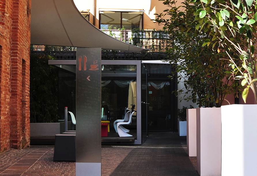 Hotel Ferrara, Außenbereich