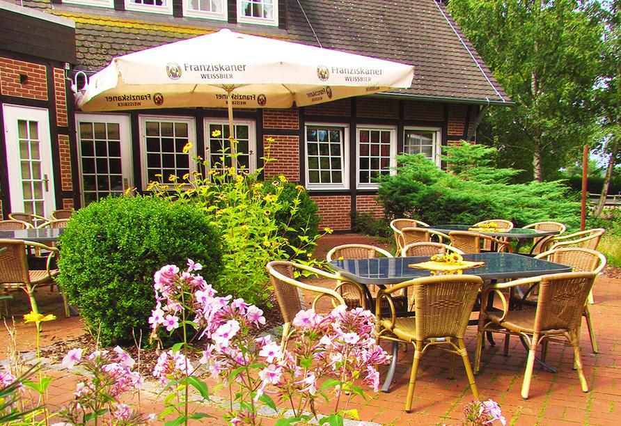 CAREA Ferien- & Reitsport-Hotel Brunnenhof in Suhlendorf in der Lüneburger Heide Terrasse
