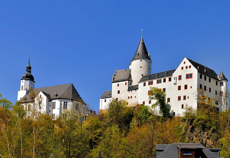 Sonnenhotel Hoher Hahn in Schwarzenberg, St. Georgenkirche und Schloss Schwarzenberg