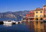 Hotel Marco Polo Garda, bunte Hafenpromenade am Gardasee