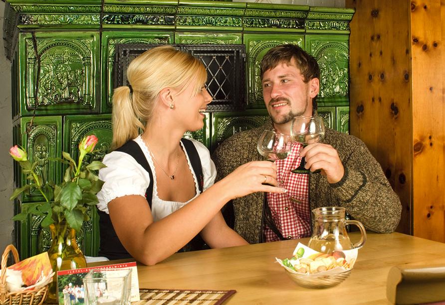 Hotel Stark in Ringelai im Bayerischen Wald, Kaminstube