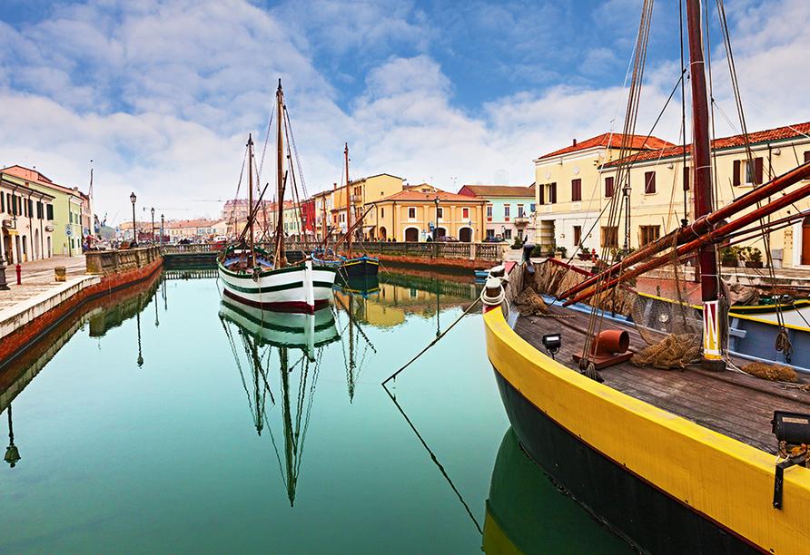 Hotel Camay in Cesenatico, Adria, Italien, Alte Fischerboote im Hafen