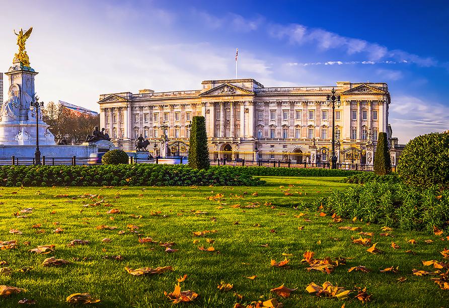 St. Giles Heathrow Hotel in London, Buckingham Palace