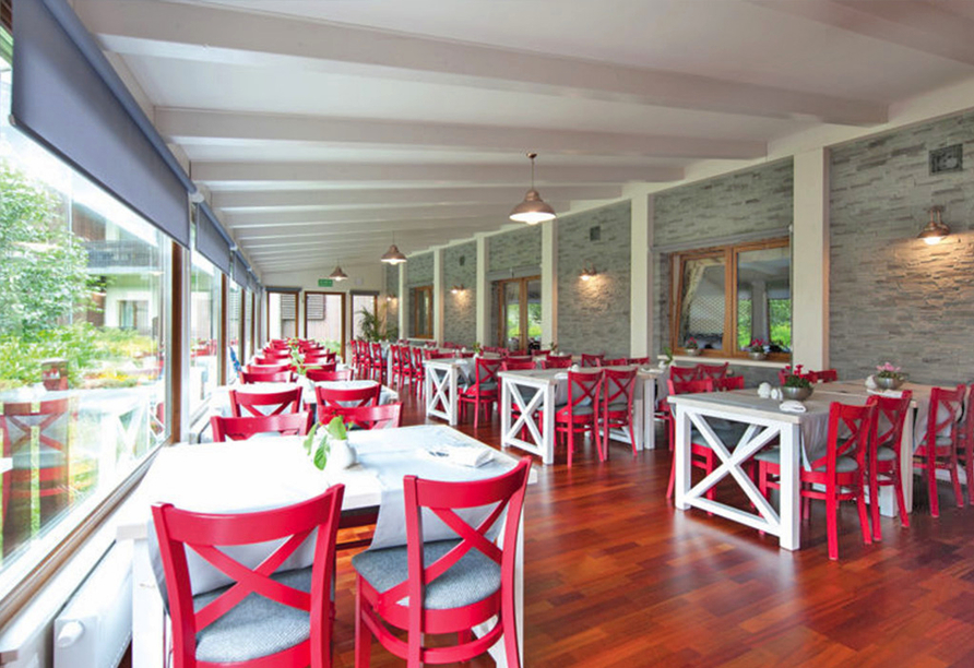 Hotel Sandra Spa Karpacz Riesengebirge Polen, Restaurant mit Fensterfront