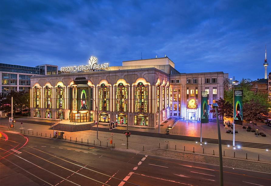 VIVID Grand Show im Friedrichstadtpalast Berlin, Außenansicht
