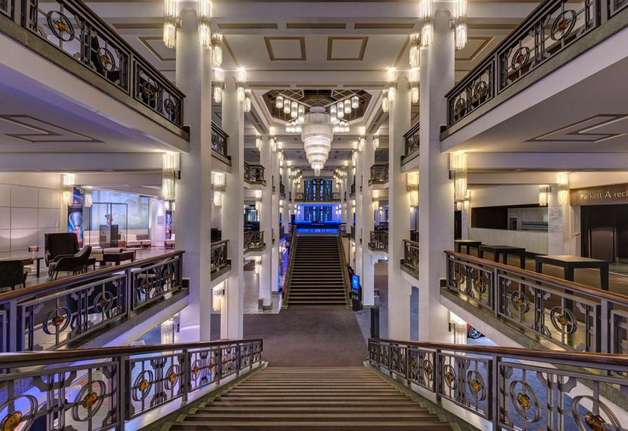 VIVID Grand Show im Friedrichstadtpalast Berlin, Innenbereich