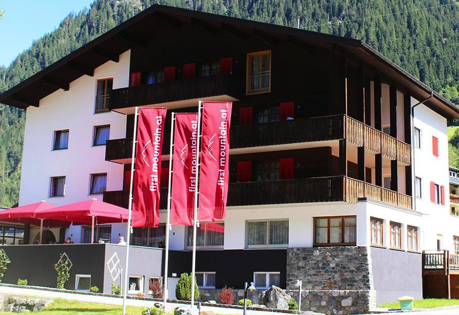 First Mountain Hotel Montafon in Vorarlberg Österreich, Außenansicht