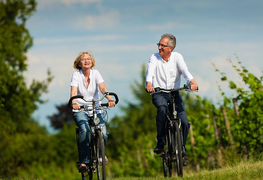 Fahrrad fahren in den Weinbergen