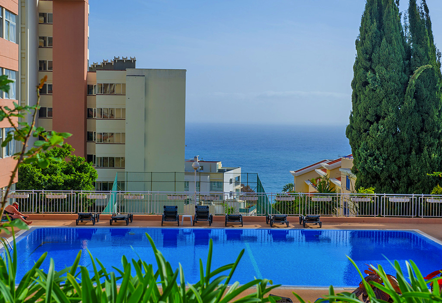 Hotel Estrelícia in Funchal, Pool