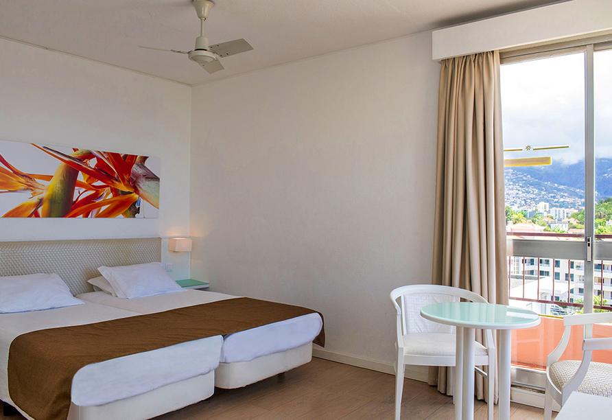 Hotel Estrelícia in Funchal, Zimmer