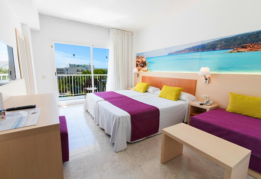 Hotel azuLine Coral Beach in Es Canar, Beispielzimmer Premium