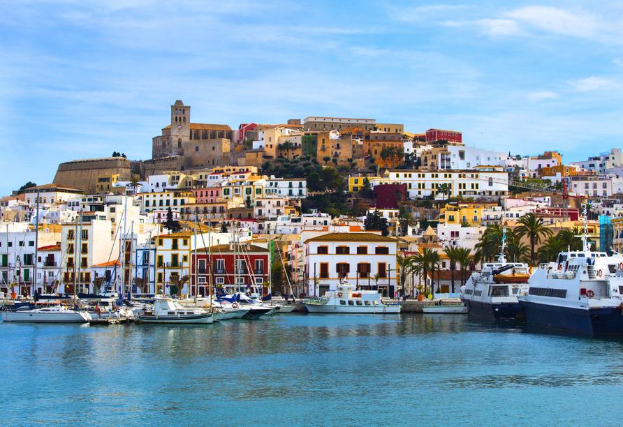 Hotel azuLine Coral Beach in Es Canar, Ibiza-Stadt