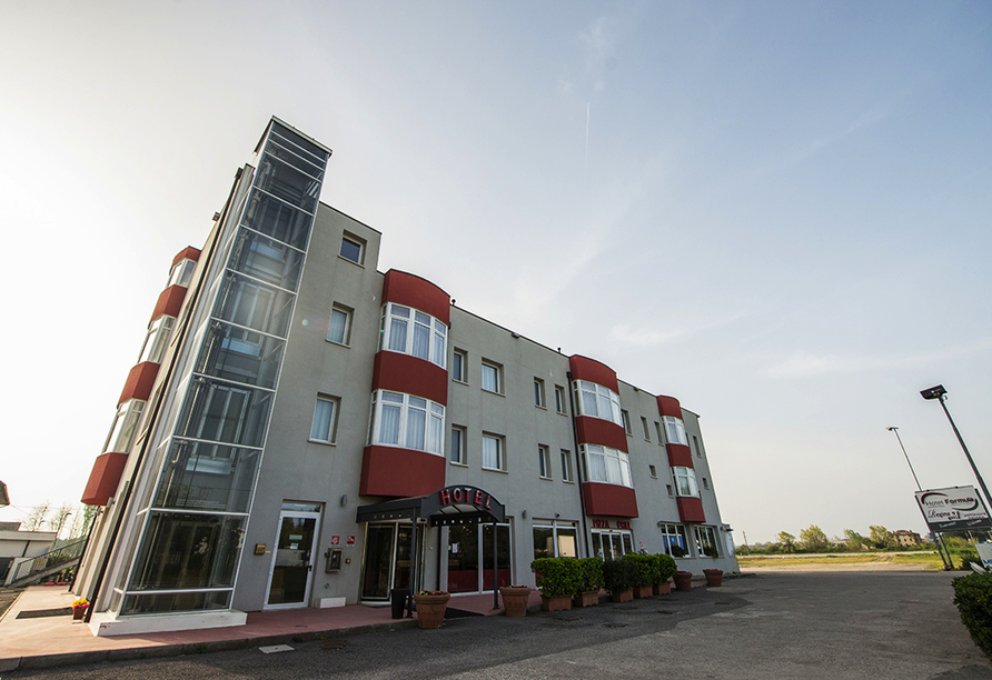 Hotel Formula International in Rosolina, Außenansicht