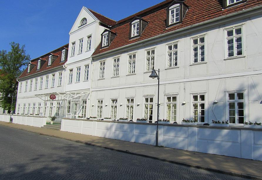 Hotel Friedrich Franz Palais in Bad Doberan Ostsee, Außenansicht
