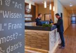 Bavaria Motel in München in Bayern, Rezeption