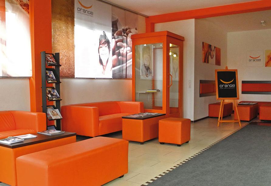 Orange Hotel und Apartments in Neu-Ulm Mittelschwaben, Lobby