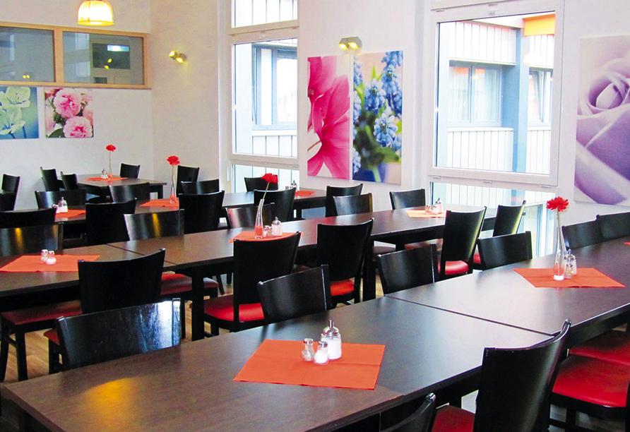 Orange Hotel und Apartments in Neu-Ulm Mittelschwaben, Restaurant