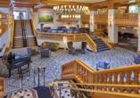 Maximilian Quellness und Golfhotel, Empfangshalle