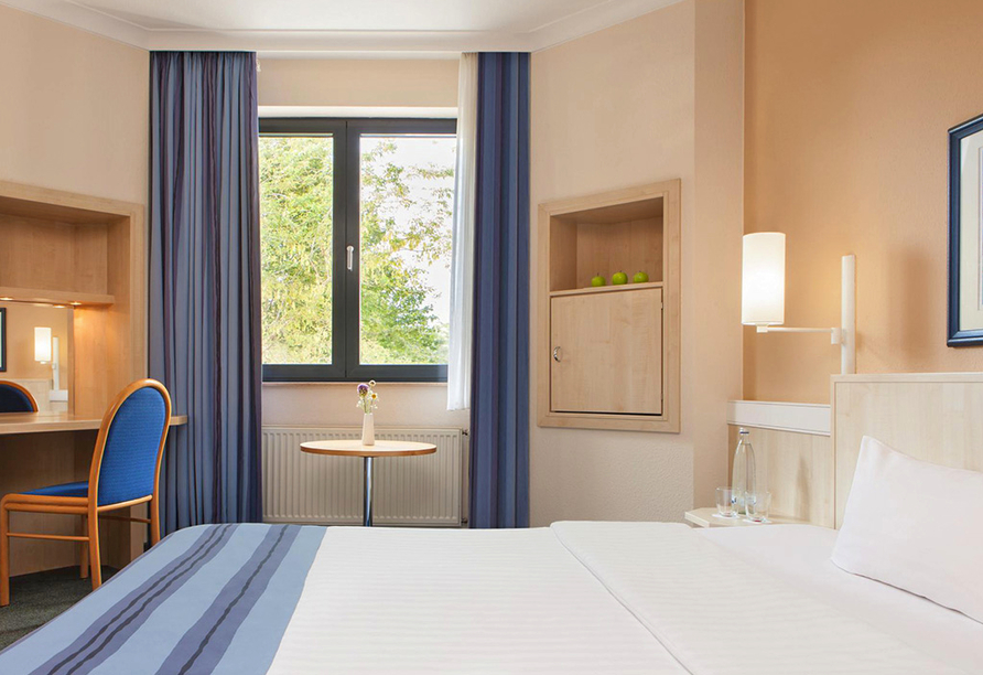 IntercityHotel Magdeburg, Doppelzimmer mit Doppelbett
