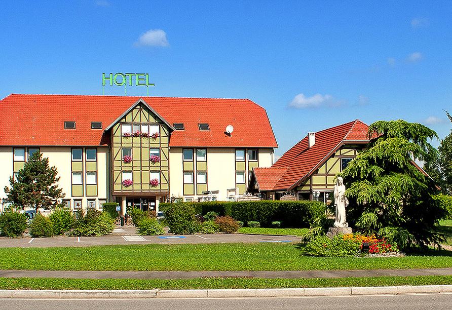 Als Hotel in Ottmarsheim im Elsass, Außenansicht und Restaurant