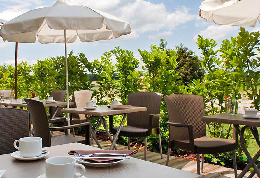 Als Hotel in Ottmarsheim im Elsass, Terrasse