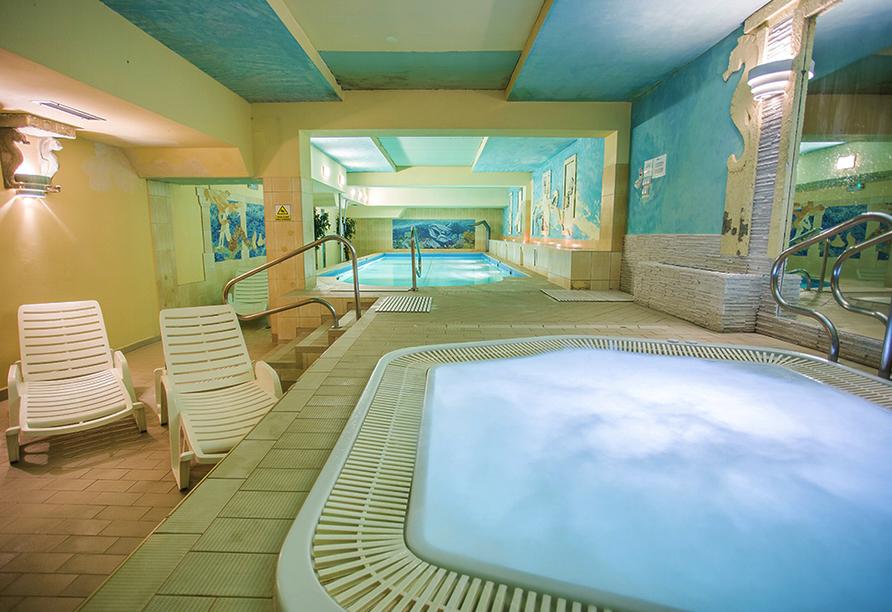 St. Lukas Sanatorium Hotel in Bad Flinsberg, Whirlpool und Hallenbad