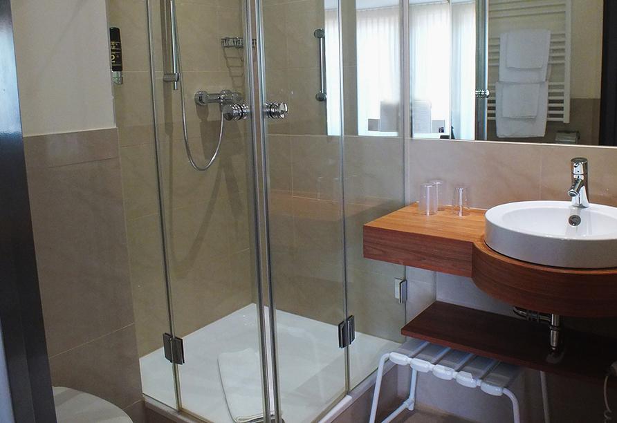 Best Western Hotel Brunnenhof in Weibersbrunn, Beispiel Badezimmer
