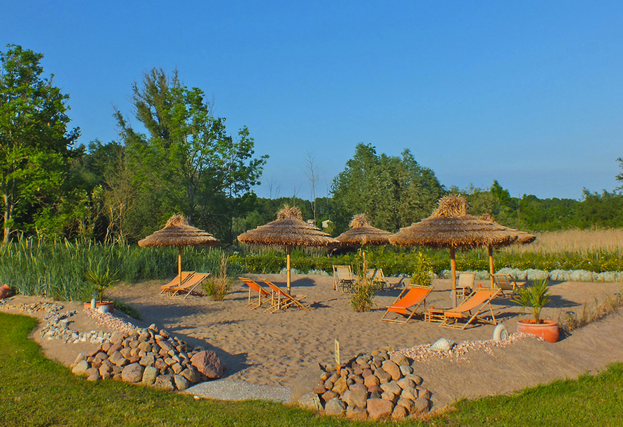 Alago Hotel am See in Cambs im Schweriner Seenland, Beach Lounge