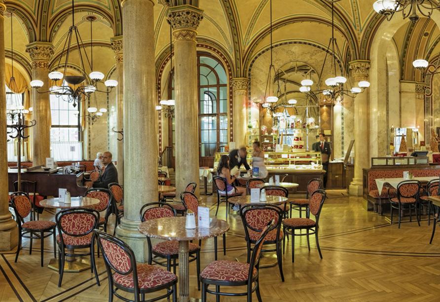HB1 Design & Budget Hotel Wien-Schönbrunn, Typisches Wiener Kaffeehaus