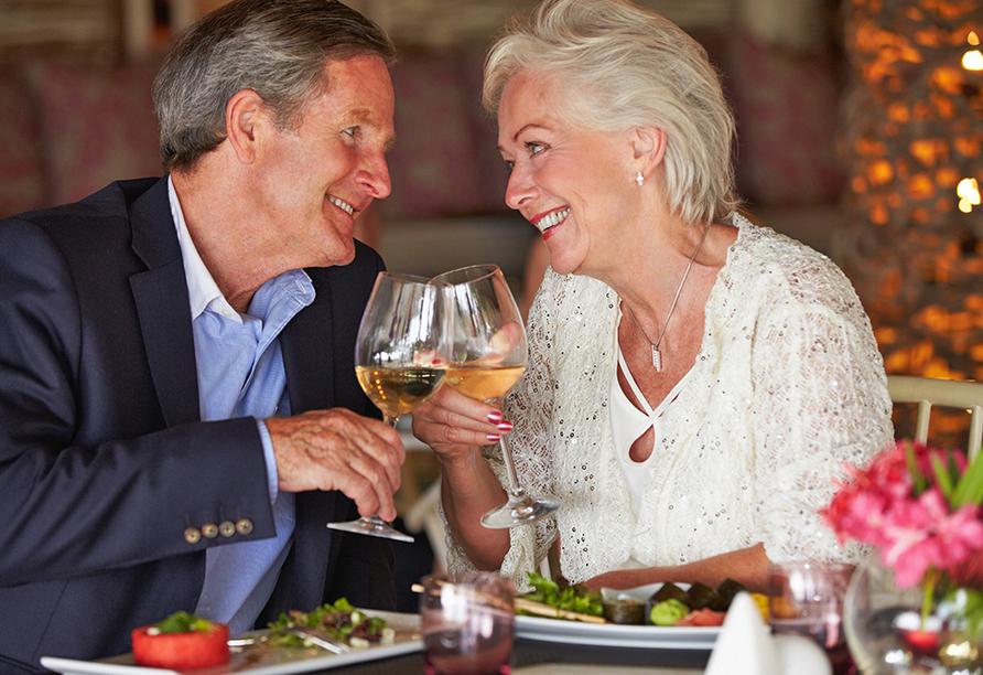 Hotel Gasthaus Zum Schwan in Oschatz, Älteres Paar beim Essen