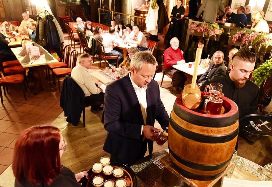 Hotel Brauhaus Zum Löwen, Bier zapfen