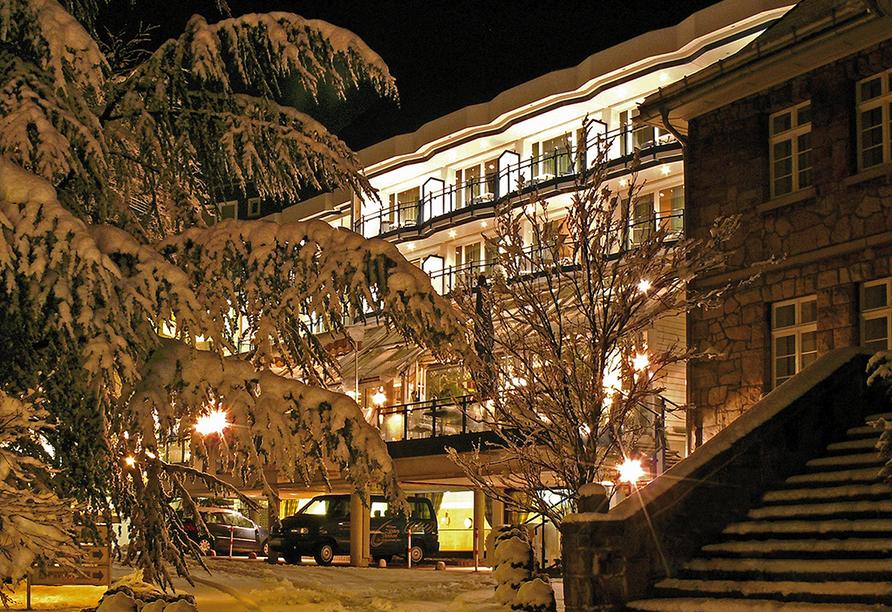Rüters Parkhotel in Willingen, Außenansicht Winter