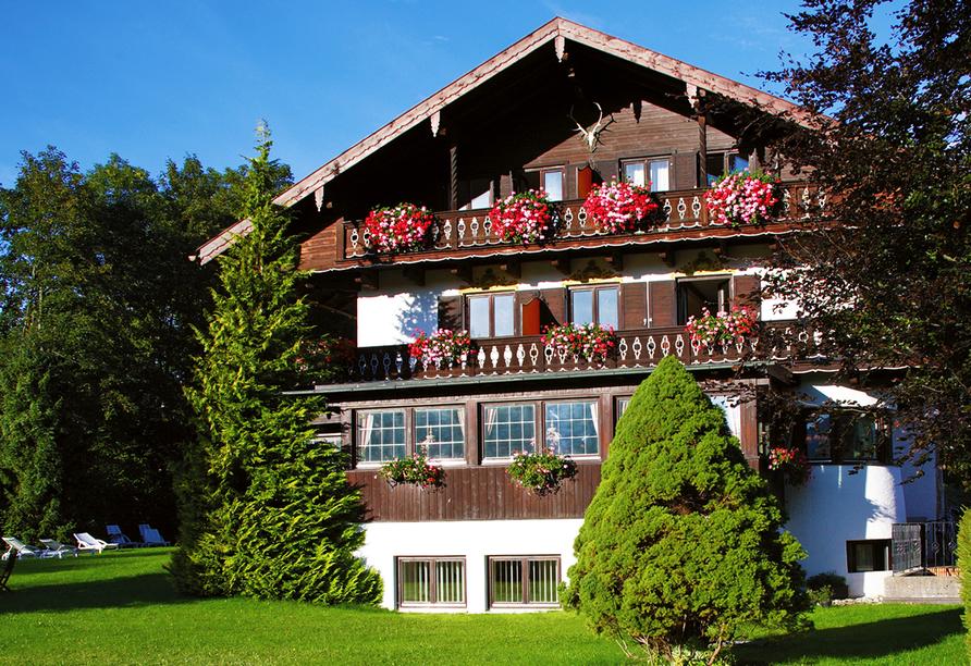 Landhotel Sonnenfeld am Tegernsee im Kurort Bad Wiessee am Tegernsee, Außenansicht