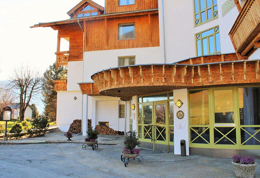 Hotel Laurenzhof in Lendorf, Eingangsbereich