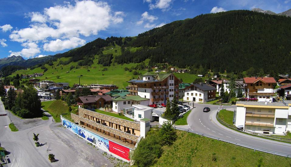 Hotel Nassereinerhof in St. Anton am Arlberg in Tirol, Idyllisches Panorama