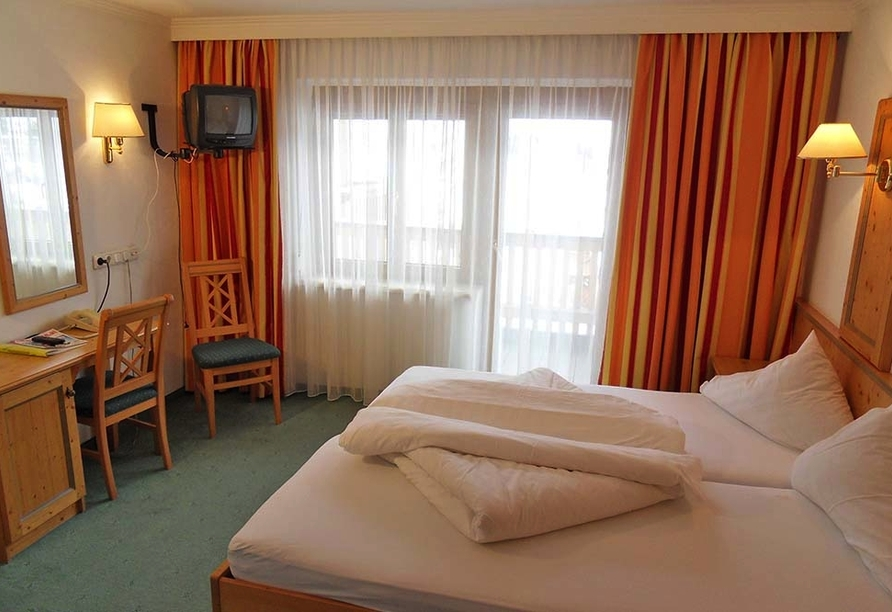 Hotel Nassereinerhof in St. Anton am Arlberg in Tirol Beispiel Doppelzimmer Standard