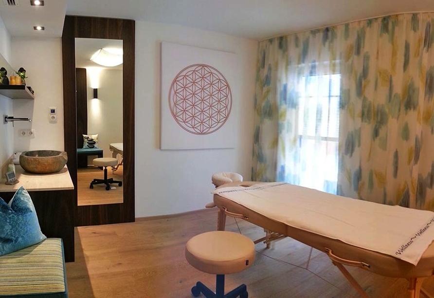 Hotel Nassereinerhof in St. Anton am Arlberg in Tirol Massageraum